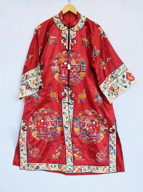 59861e67d39 CHINESE SILK EMBROIDERY ROBE